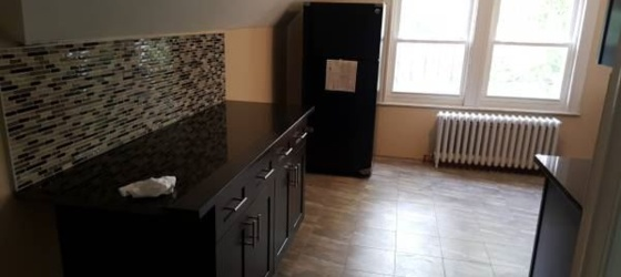 Bergen Community College Housing Renovated 2 Bedroom on 3rd Floor of Multi Family Home Located in Yonkers for Bergen Community College Students in Paramus, NJ